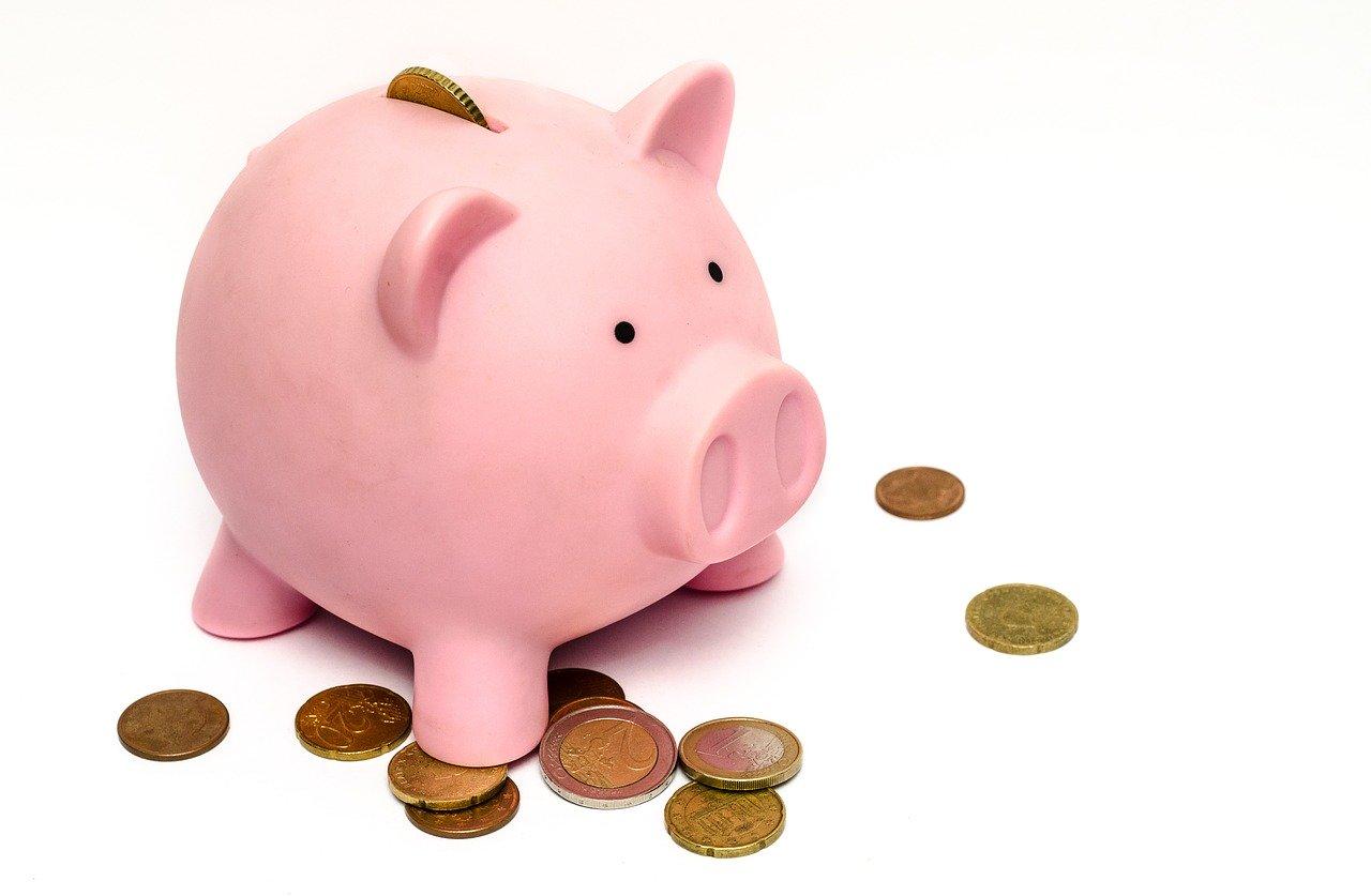 豚の貯金箱の画像