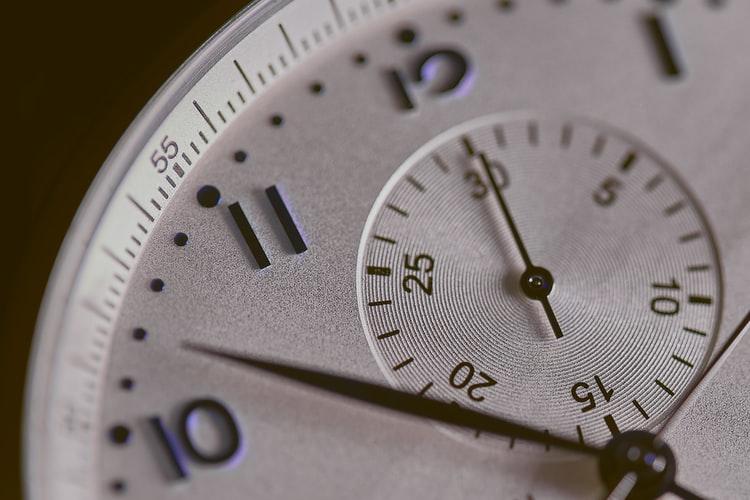 ズームされた時計の画像