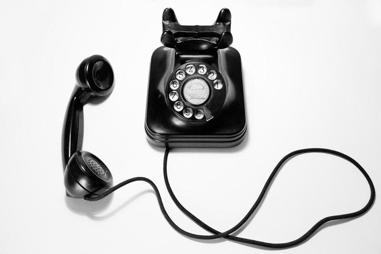 黒電話の画像