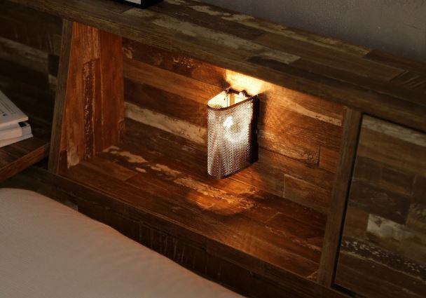 『寄木柄引出し付きダブルベッドフレーム』照明