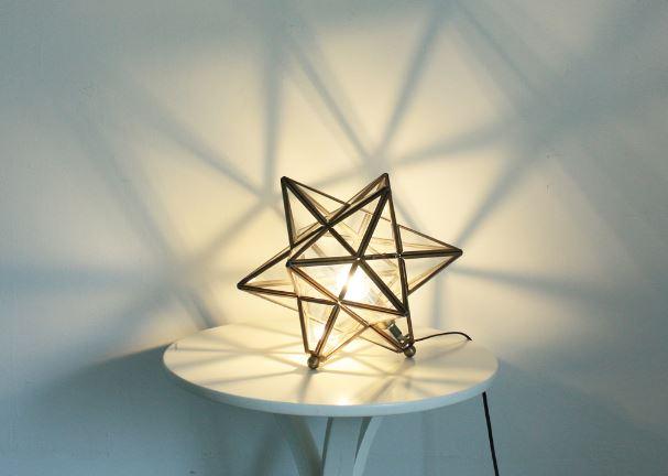airRoom『真鍮で作った星形のテーブルランプ』